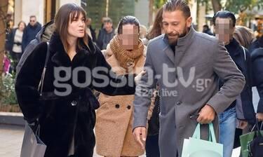 Γιάννης Μαρακάκης – Νίκη Θωμοπούλου: Βόλτα στο κέντρο λίγο πριν την επίσκεψη του πελαργού