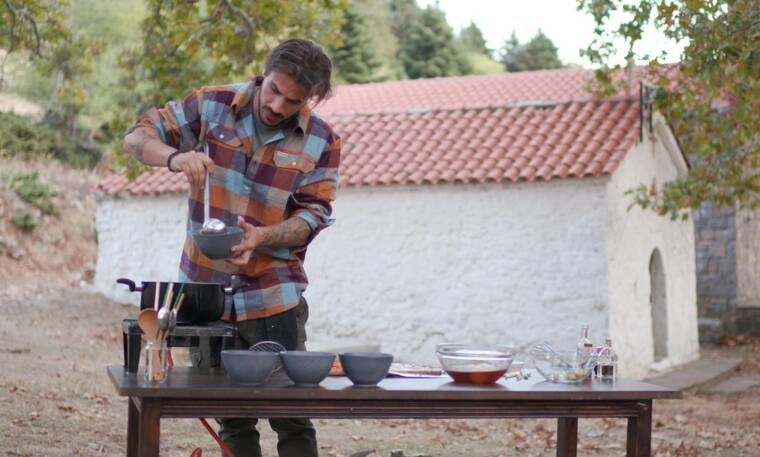 Άκης Πετρετζίκης: Κάνει πρεμιέρα με το «Akis' Food Tour» και οι φωτό είναι μαγικές! (Photos)