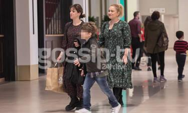 Ιωάννα Ασημακοπούλου-Βίβιαν Κοντομάρη: Για ψώνια με τον γιο της Βίβιαν – Πόσο έχει μεγαλώσει; (pics)