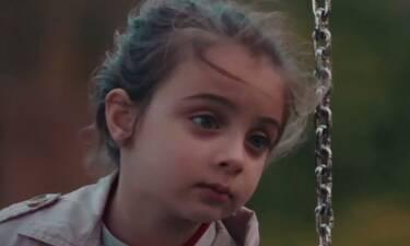 8 λέξεις: Ο θάνατος της μητέρας της μικρής Τζουλιάνας φέρνει δυσκολίες και αμηχανία (Photos)