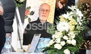 Δημήτρης Τσούτσης: Θλίψη στην κηδεία του «Νικηφόρου» από τους Δύο Ξένους (Photos)
