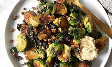 Αντιπαθείς τα λαχανάκια Βρυξελλών; Αυτή η συνταγή θα σε κάνει να τα λατρέψεις