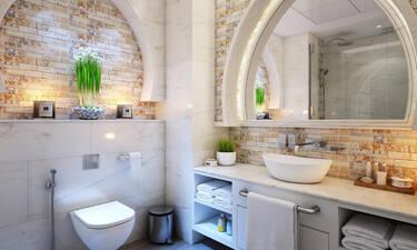 10+1 μυστικά που θα κάνουν το μπάνιο σου να φαίνεται μεγαλύτερο απ' ό,τι είναι