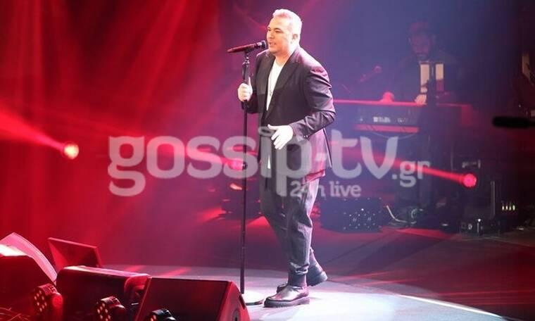 Πλήθος κόσμου στη συναυλία του Αντώνη Ρέμου - Αποθεώθηκε ο τραγουδιστής (Photos)