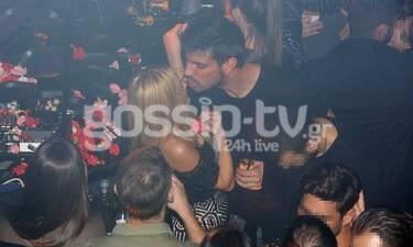 Βίκυ Κάβουρα – Γιώργος Βίγγος: Τα τρυφερά φιλιά και οι αγκαλιές στα μπουζούκια! (Photos)