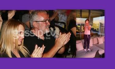 Πέγκυ Ζήνα – Γιώργος Λύρας: Η κόρη τους μεγάλωσε και θα εκπλαγείς όταν την ακούσεις να τραγουδά!