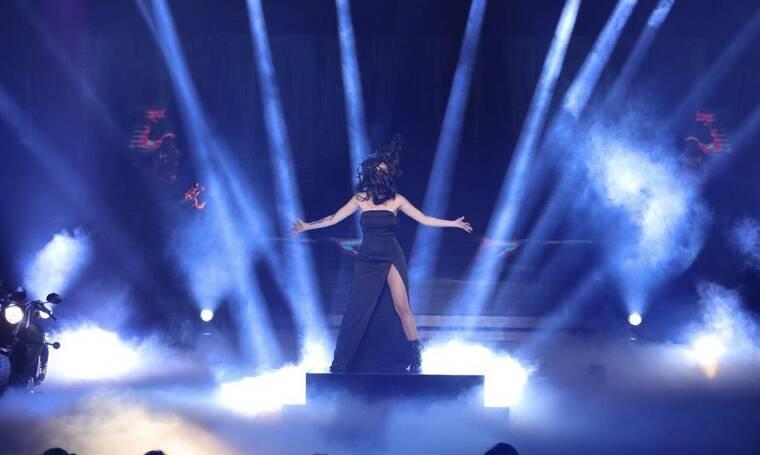 YFSF: Η απόλυτη μεταμόρφωση! Η τραγουδίστρια των Vegas έγινε Πάολα (VIDEO- PHOTOS)