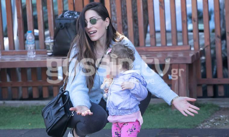 Φλορίντα Πετρουτσέλι: Παιχνίδια με την κόρη της λίγο πριν υποδεχτεί το δεύτερο παιδάκι της (photos)