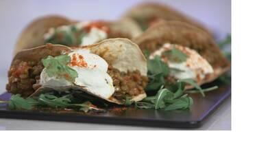 Kitchen Lab: Λατινική Αμερική, Ιταλία και Ελλάδα συναντιούνται στην κουζίνα του Άκη Πετρετζίκη