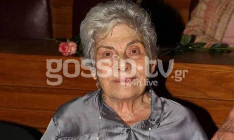Κική Δημουλά: Η παράκληση της οικογένειάς της - Πού και πότε θα γίνει η κηδεία της; (Photos)