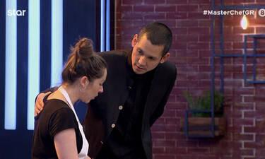 MasterChef: Ο Κοντιζάς προσφέρθηκε να την κάνει μία αγκαλιά και εκείνη την αρνήθηκε! (video)