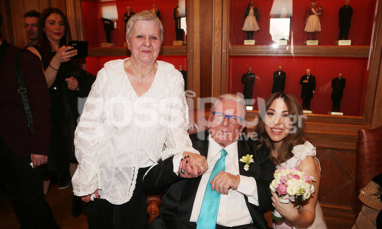 Πέθανε ο Κώστας Βουτσάς: Το συγκινητικό «αντίο» της αδελφής του Νίτσας! (photos)