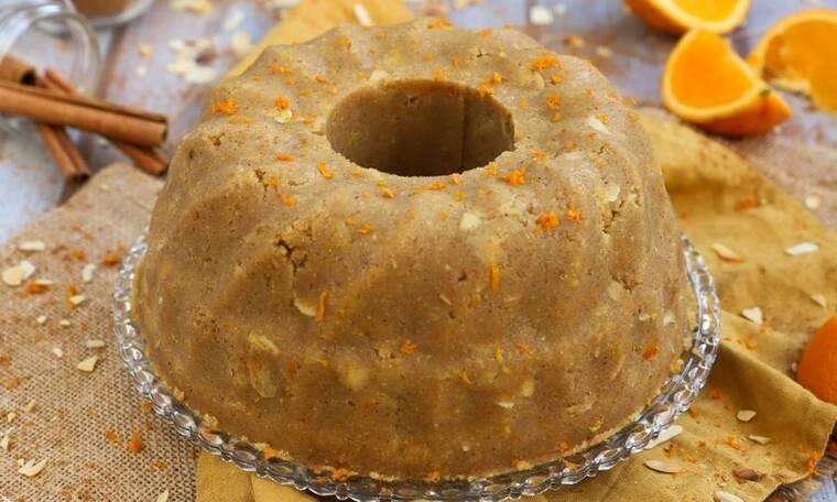 Αυτόν τον σιμιγδαλένιο χαλβά με πορτοκάλι του Τσούλη πρέπει να τον φτιάξεις!