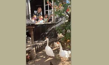 Βίκυ Καγιά: Αυτές τις φώτο με τα δύο παιδιά της στην Παύλιανη αξίζει να τις δεις!