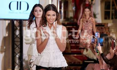 Μέγκι Ντρίο: Κάνει το όνειρό της πραγματικότητα! Άνοιξε fashion show στην Εβδομάδα Μόδας στο Παρίσι