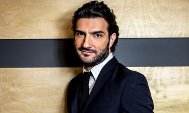 Ο ηθοποιός Νίκος Κουρής αποκάλυψε ότι έκλεισε με κανάλι για παρουσίαση τηλεπαιχνιδιού (video)