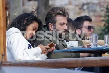 Θοδωρής Θεοδωρόπουλος-Allia Al Rufaiαπόλαυσαν τον καφέ τους στα νότια προάστια (photos)