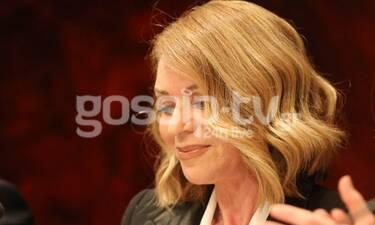 Έλλη Στάη: Η επίσημη εμφάνιση και η λεπτομέρεια που απογείωσε το «αυστηρό» σύνολό της (Photos)