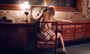 Κόλλησες; Θα τα «χάσεις» μόλις δεις ποια Ελληνίδα τραγουδίστρια είναι (photos-video)
