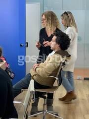 Βήμα βήμα προχωράνε οι make up artists τις μεταμορφώσεις