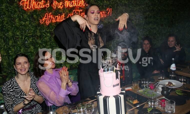 Τα γενέθλια της Ραμόνας και η πλάκα με τα κεριά (exclusive photos+video)
