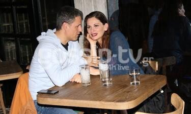 Παπαθωμά-Πετράκος: Σπάνια βραδινή έξοδος για το ερωτευμένο ζευγάρι (photos)
