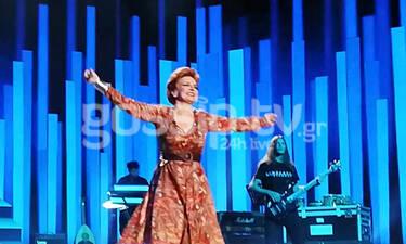 YFSF: Η Μαρία Ανδρούτσου ρόκαρε ως Ελεονώρα Ζουγανέλη και το κοινό εκστασιάστηκε (photos-video)