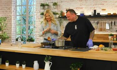 Food N' Friends: Η Φαίη Σκορδά μπαίνει στην κουζίνα – Τι γλυκό θα μας φτιάξει; (Photos)