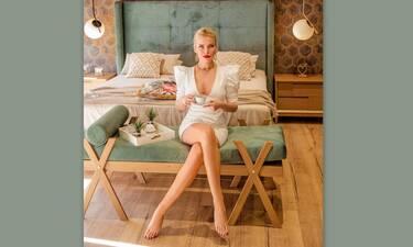 Κατερίνα Καινούργιου: Μένει σπίτι και δες την άβαφη να κάνει beaute!