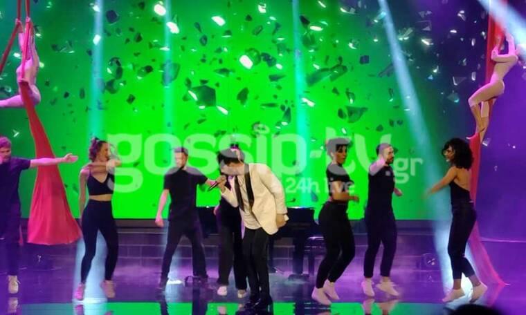 YFSF: Το Madwalk ξανά στη σκηνή με τον Ηλία Μπόγδανο να γίνεται Κωνσταντίνος Αργυρός (pics+video)