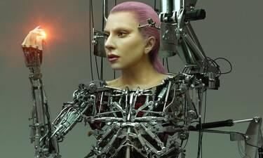 Lady Gaga: Στην πιο extreme και φουτουριστική φωτογράφιση - Το μήνυμά της για τον κορονοϊό