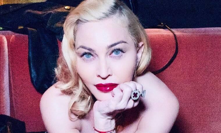 Η Madonna γυμνή στην μπανιέρα προειδοποιεί: «Ο κορονοϊός δεν κάνει διακρίσεις» (photos+video)