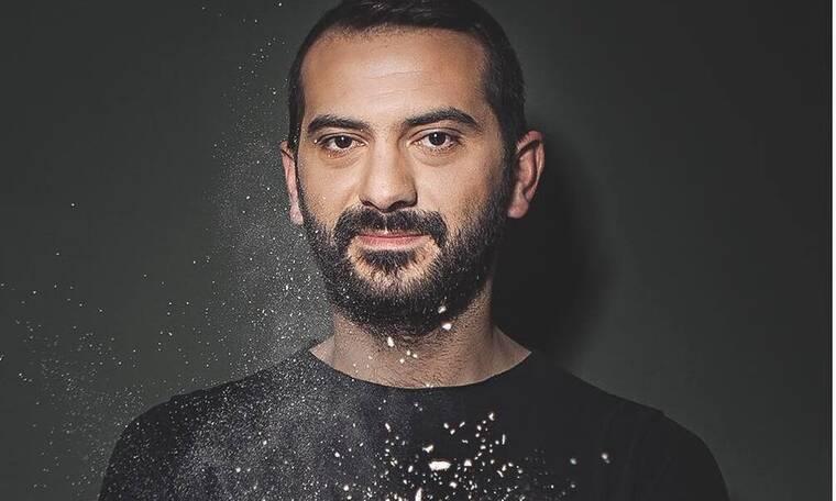 Λεωνίδας Κουτσόπουλος: Μας έδειξε το σπίτι του και «κολλήσαμε» με τη λεπτομέρεια στη διακόσμησή του