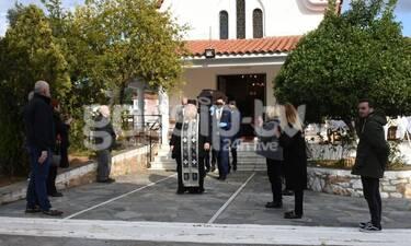 Κηδεία Χατζηκουτσέλη: Με μάσκες το τελευταία αντίο στον ηθοποιό  (Photos)
