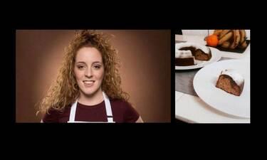 MasterChef: Η Σπυριδούλα Καραμπουτάκη μας έδωσε την πιο εύκολη συνταγή για κέικ μπανάνας με σοκολάτα