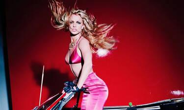 Oops! She did it again:Το πιο iconic κομμάτι έγινε 20 ετών & η Britney Spears το γιόρτασε κάπως έτσι