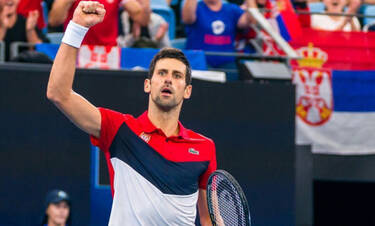 Απίστευτο βίντεο: Ο Τζόκοβιτς παίζει τένις με τηγάνι!