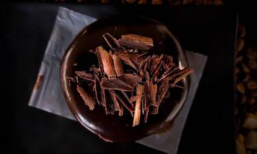 Φτιάξε την πιο νόστιμη μους σοκολάτα με τρία υλικά μόνο
