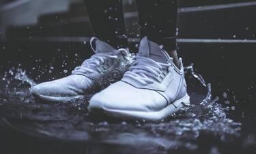 Κορονοϊός: Πώς απολυμαίνουμε σωστά τα παπούτσια; (video)
