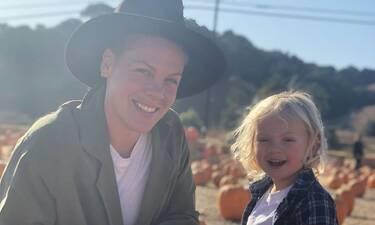 Θετικοί στον κορονοϊό η Pink και ο γιος της (Photos)