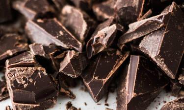 Πώς μπορείς να φας σοκολάτα στην καραντίνα χωρίς να παχύνεις