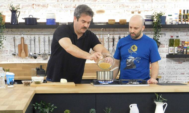 Food N' Friends: Ο Πυγμαλίων Δαδακαρίδης μπαίνει στην κουζίνα και αναλαμβάνει δράση