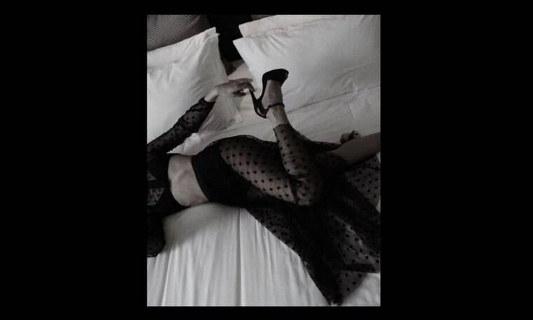Πέρασε το Σαββατόβραδο με σέξι διάθεση στο κρεβάτι της - Οι φωτό που πρέπει να δεις! (Photos)