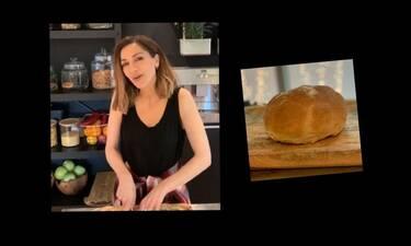 Θέλεις να φτιάξεις ψωμί σκέτο ή με φέτα; Δοκίμασε τη συνταγή της Δέσποινας Βανδή! (Photos-Video)