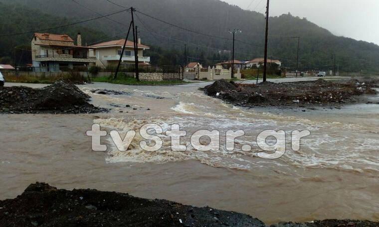 Κακοκαιρία: «Βούλιαξαν» Εύβοια, Χαλκιδική, Τρίκαλα και Σκιάθος - Πλημμύρες και κατολισθήσεις