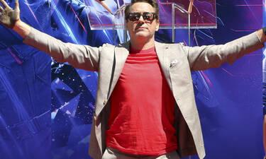 Ο Robert Downey Jr. είχε γενέθλια κι οι ήρωες της Marvel του ευχήθηκαν με τον μόνο τρόπο που ξέρουν