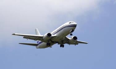 Γιατί υπάρχουν ακόμα τασάκια στα αεροπλάνα;