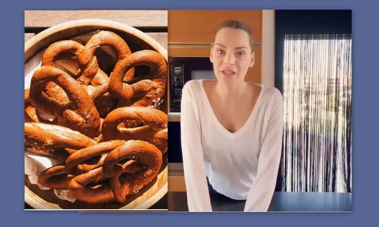 Υβόννη Μπόσνιακ: Φτιάχνει αφράτα Pretzel με μόνο πέντε υλικά που τα έχουμε όλοι στο σπίτι (Video)