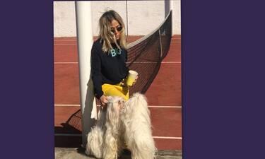 Άννα Βίσση: Γυμνάζεται ξυπόλυτη στο σαλόνι του σπιτιού της! (Video)