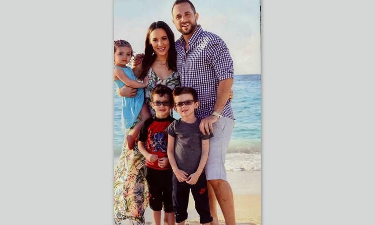Η Καλομοίρα δημοσίευσε οικογενειακές φωτογραφίες από το πασχαλινό τραπέζι (photos)